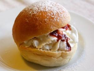 Devonshire Split with home made fresh cream