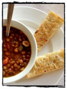 Barley soup with toasted ftira